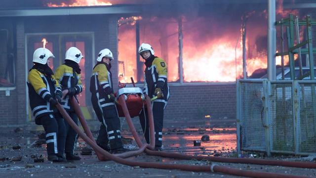 'Weduwen brandweermannen vuurwerkramp dagen Staat'