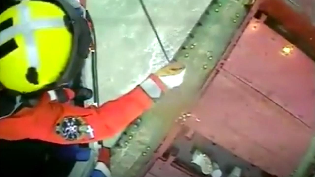 Britse kustwacht gaat aan boord van gestrand Russisch vrachtschip