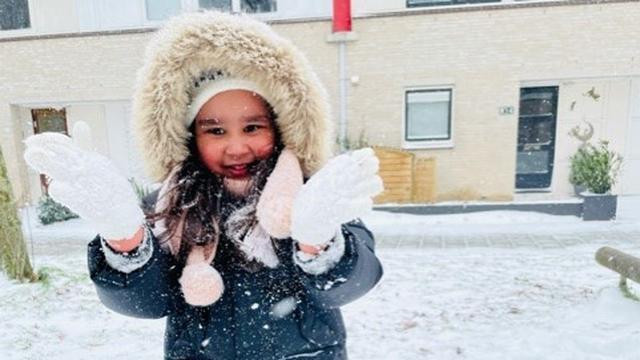 In Almere werd ook genoten van de sneeuw.