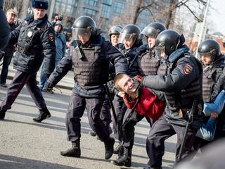 Europa heeft neerslaan protesten tegen Kremlin ernstig veroordeeld