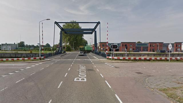 Oudere man zwaargewond na verkeersongeval in Roosendaal