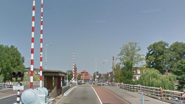 Spinozabrug in Utrecht deels afgesloten voor auto's vanwege werkzaamheden