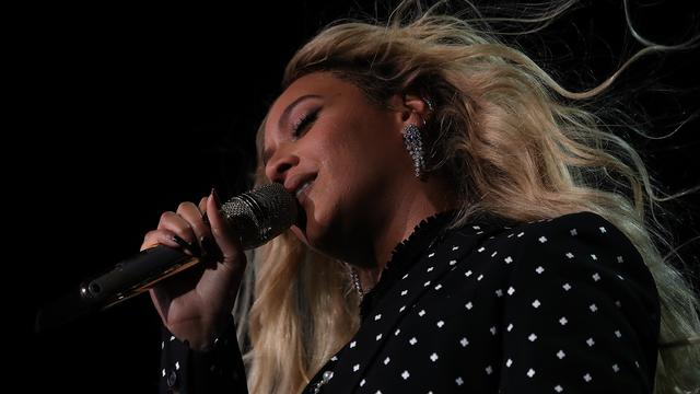 Bruno Mars en Beyoncé ontvangen BET Awards