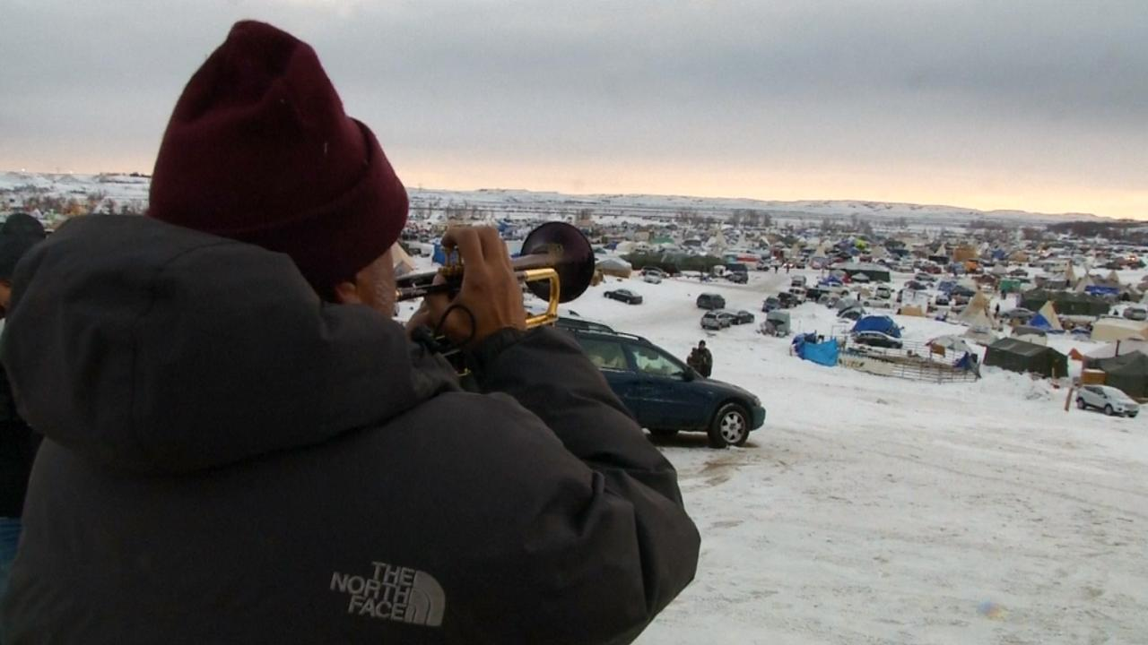 Veteranen helpen demonstranten omstreden pijplijn North Dakota