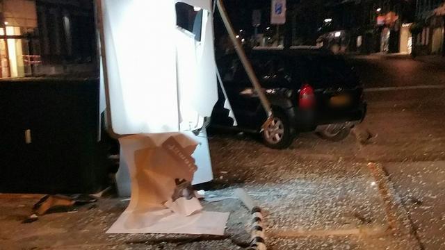 Dronken automobilist veroorzaakt ravage op Wilhelminastraat