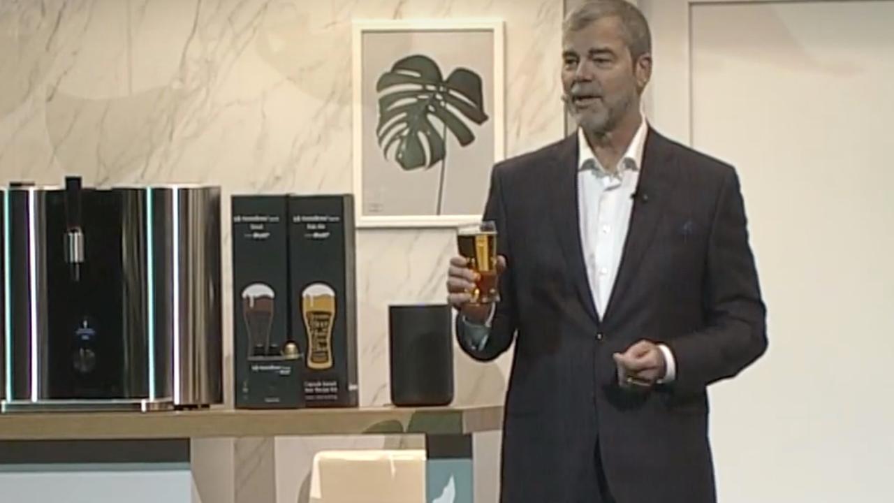 Met deze bierbrouwmachine maak je thuis bier met capsules