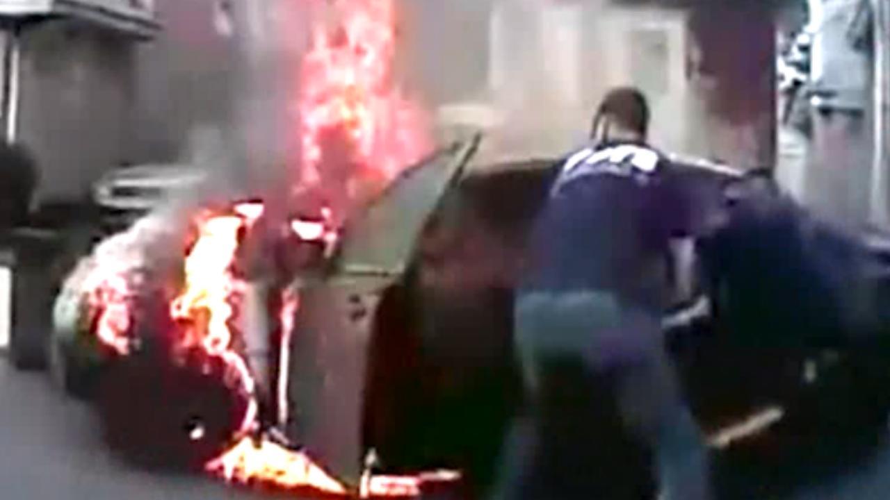 Politie VS geeft beelden vrij van redding man uit brandende auto