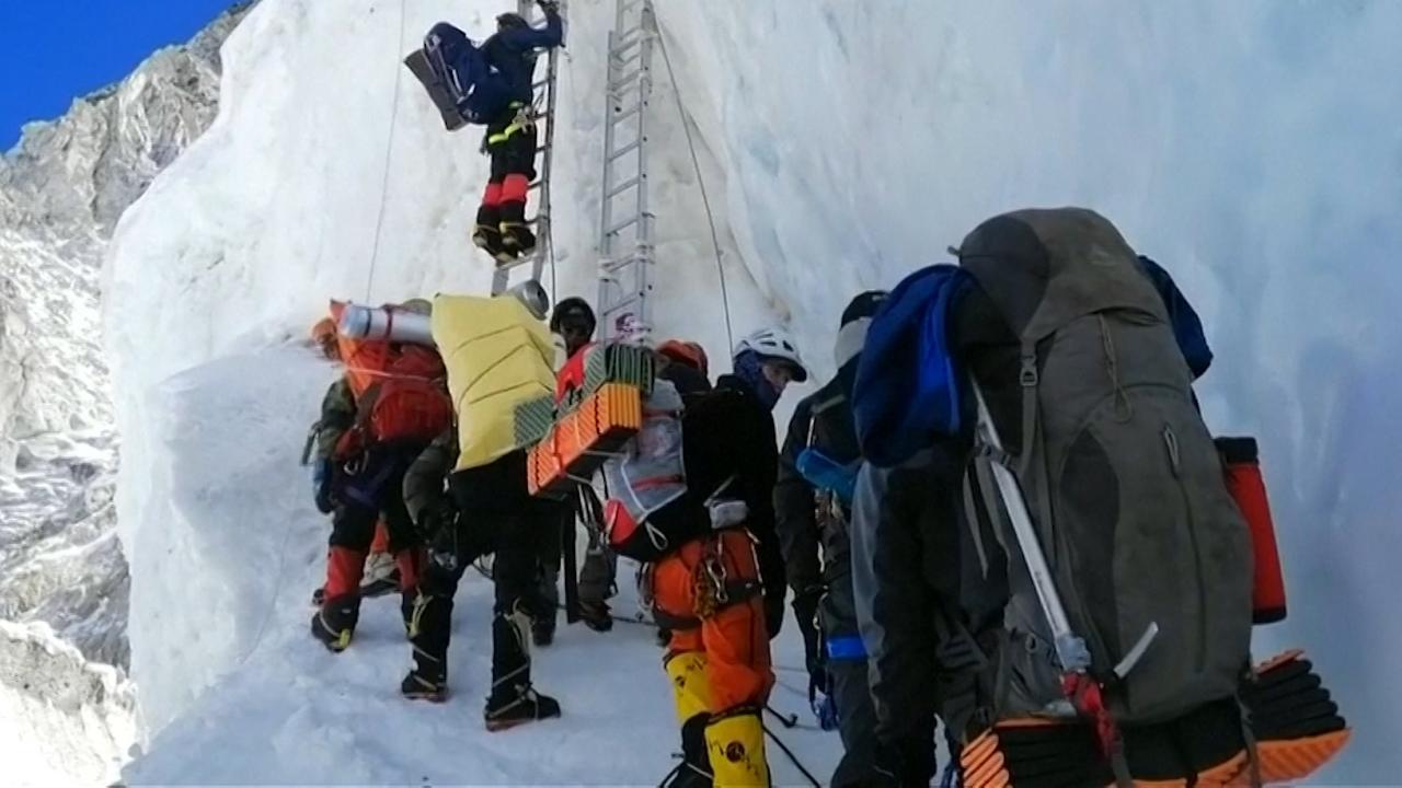 Fatale ongelukken Mount Everest: 'Het is een dodenrace'