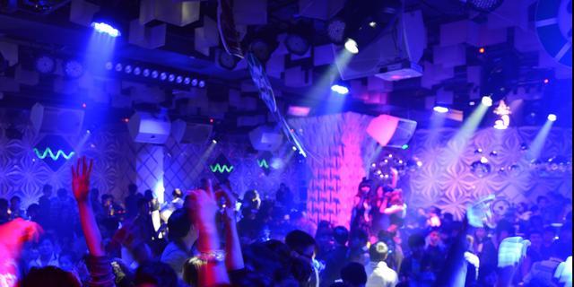 Kabinet negeerde adviezen OMT en Fieldlab over heropenen nachtclubs