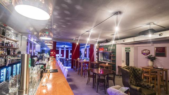 Café-restaurant Venue aan de Varkenmarkt sluit de deuren