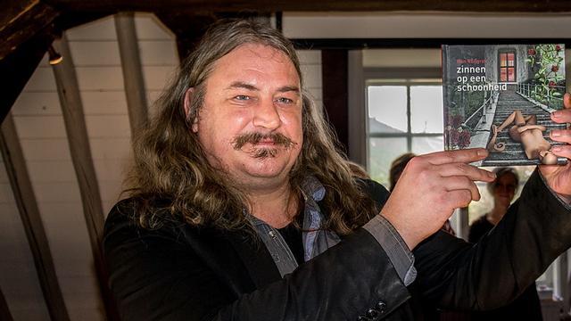 Leidse dichter Ilja Leonard Pfeijffer wint VSB Poëzieprijs