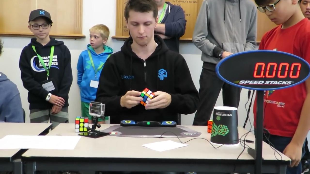 Australiër verbreekt wereldrecord Rubiks kubus oplossen