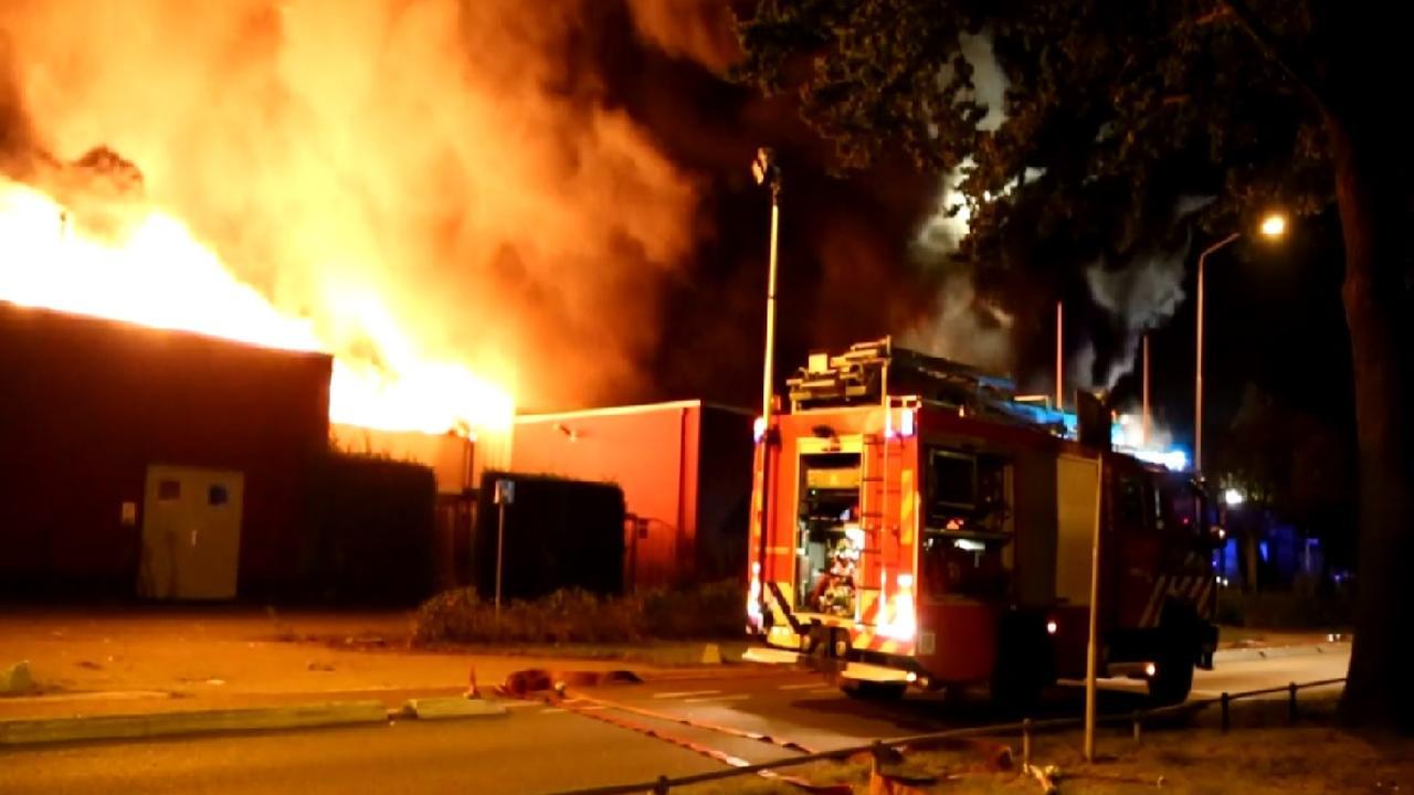 Grote brand op bedrijventerrein Uden