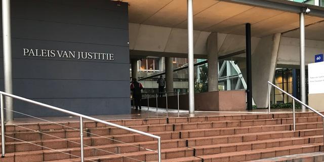 Ton L. veroordeeld tot veertien jaar cel en tbs voor moord op zijn moeder