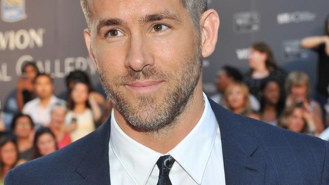 Ryan Reynolds stelt armoperatie uit om filmpremière in China bij te wonen