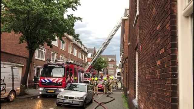 Moeder en kind uit brandende woning Jaersveltstraat gered na blikseminslag