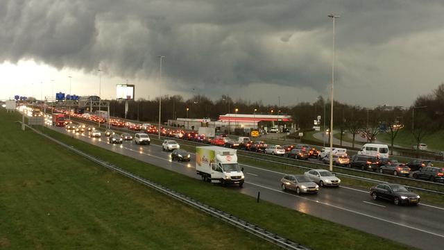 Zware onweersbuien op komst in zuiden van Nederland