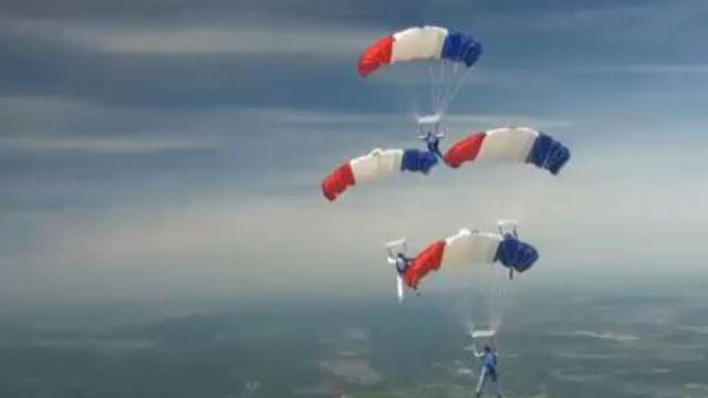 Kampioenschap parachutespringen gehouden in Frankrijk