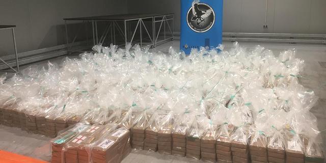 Ruim 115.000 kilo voor Nederland bestemde cocaïne onderschept in 2020