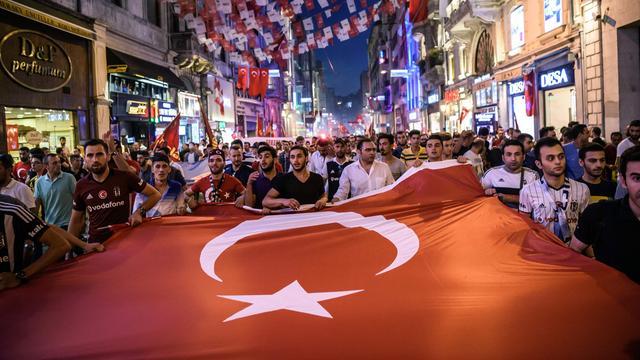 Turkse voetbalbond zet 94 officials op straat na mislukte coup