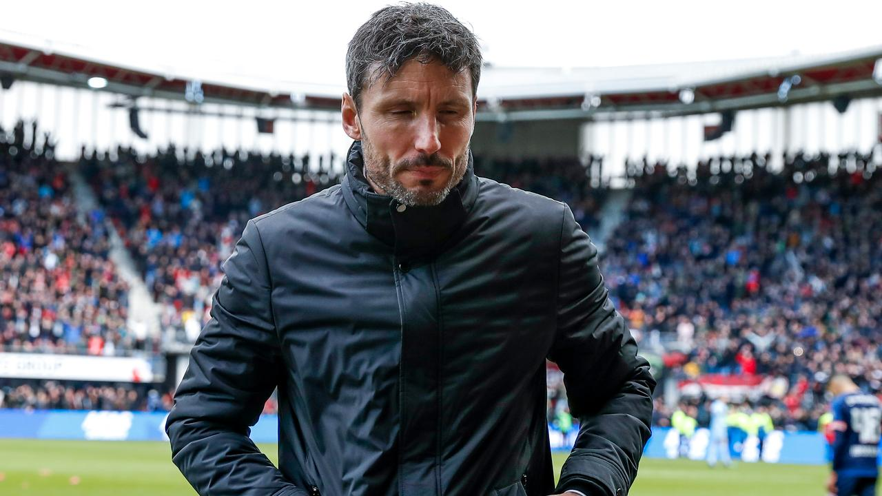 d4bfe1d0cbc PSV's general manager Toon Gerbrands is very pleased with the first year of Mark  van Bommel as trainer of the first team. He sees the former midfielder as a  ...