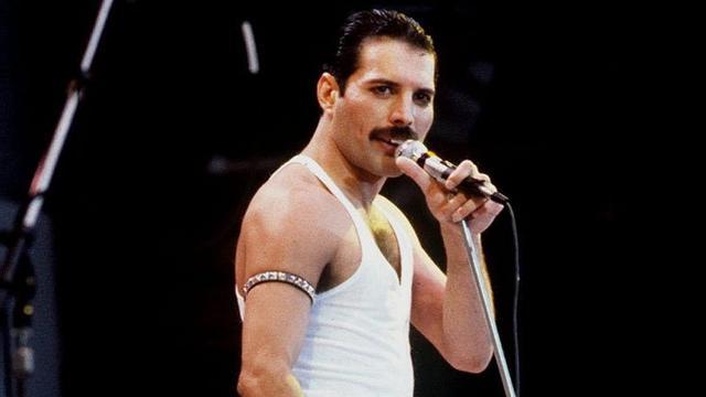 Originele teksten Freddie Mercury op veiling