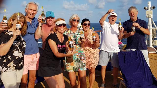 Dit Nederlandse echtpaar is wél vol lof over crew cruiseschip Westerdam