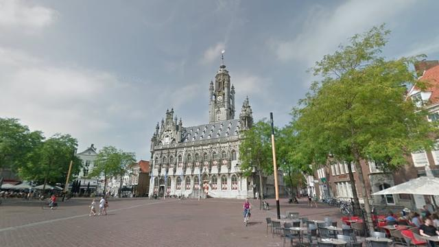 Verwarde man slaat Duitse toeristen in Middelburg