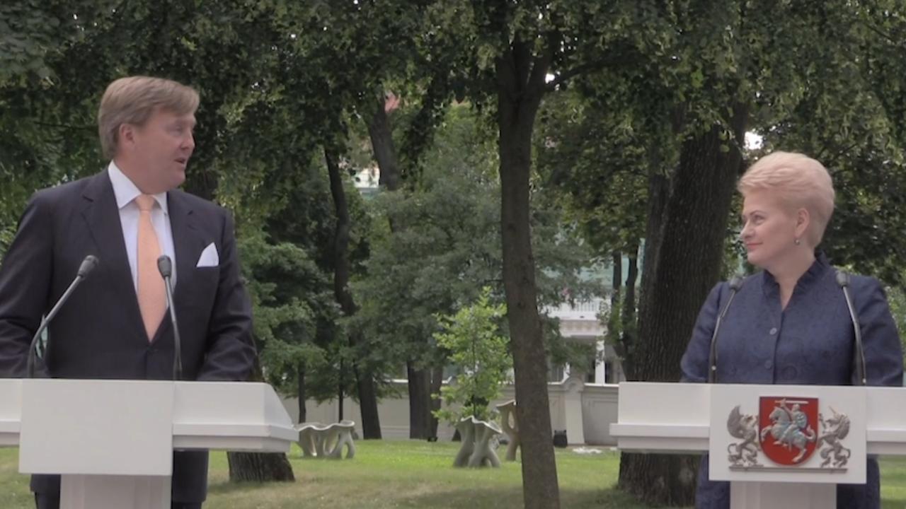 Koning spreekt Litouwse president toe voor aanvang staatsdiner