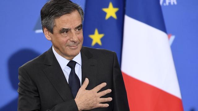 Franse justitie onderzoekt 'fictief dienstverband' vrouw presidentskandidaat Fillon
