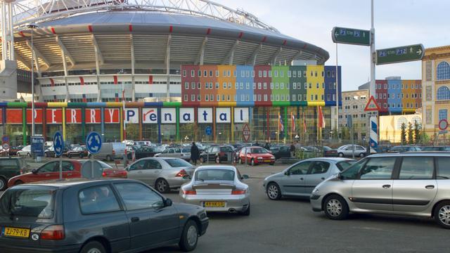 Verkeer rond Arena tijdelijk vast door concerten Coldplay en Gabbers