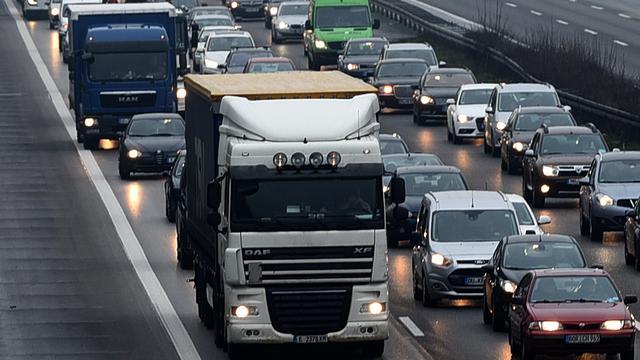 Vrachtwagenchauffeur rijdt door Duitsland met bom in de laadbak