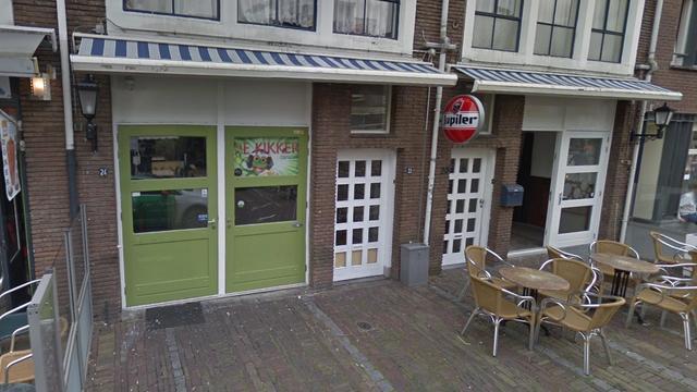 Cafébaas Tiel trekt taaleis voor bezoekers weer in na kritiek