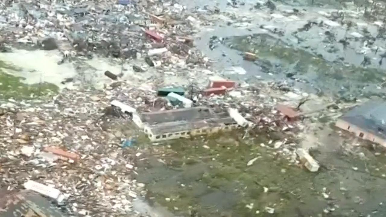 Vliegtuig filmt verwoesting op Bahama's na orkaan Dorian