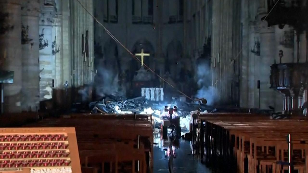 Zo ziet de Notre-Dame er na de brand van binnen uit