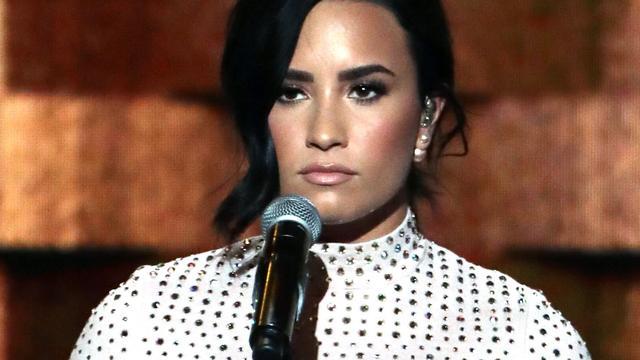 'Demi Lovato heeft relatie met mixed martial arts-vechter'