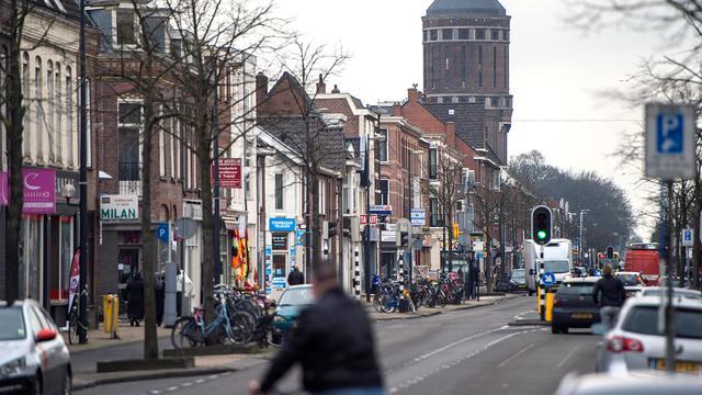 Bewonersgroepen willen 30 km/u zone maken van Amsterdamsestraatweg