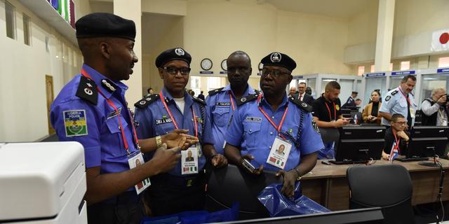 Piraten ontvoeren elf opvarenden van containerschip bij Nigeria