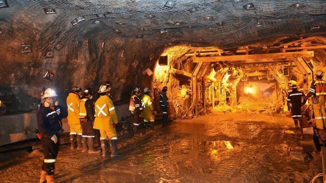 Vijf doden in Indonesië na instorten illegale goudmijn