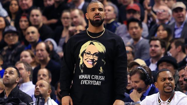 Drake door NBA berispt voor schelden tijdens basketbalwedstrijd