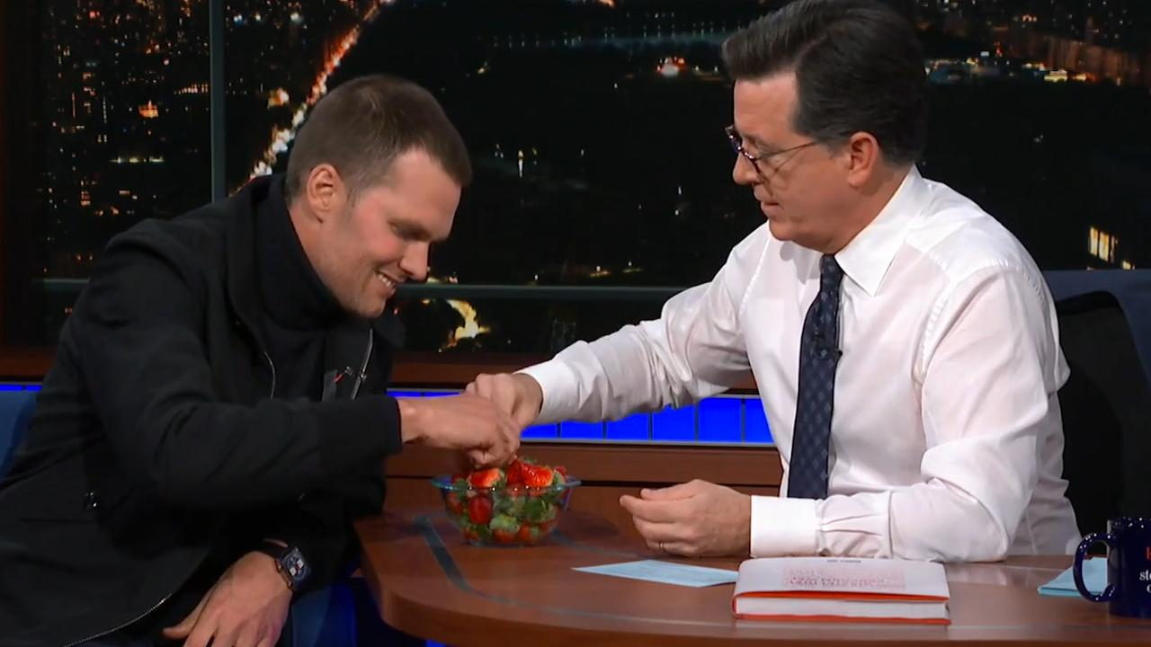 Tom Brady eet voor het eerst in zijn leven een aardbei