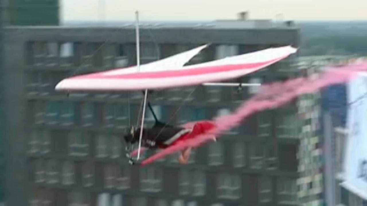 Utrecht toneel van eerste deltavlieger die van gebouw springt ter wereld