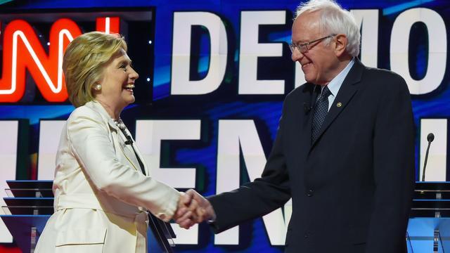 Bernie Sanders belooft Clinton te helpen om Trump te verslaan