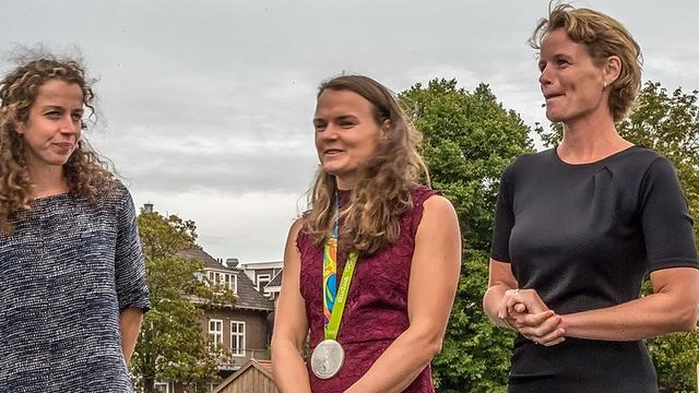 Olympische roeiers gehuldigd bij Njord