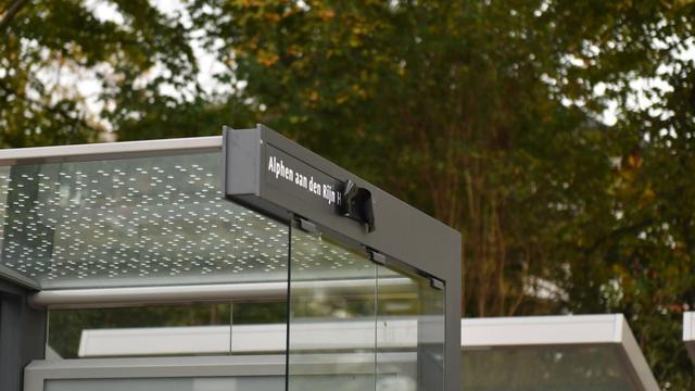 Nieuwe bushokjes R-net verkeerd geplaatst in Alphen