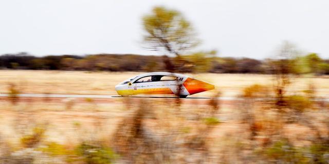 Zonneauto van Solar Team Eindhoven weer veilig in Eindhoven