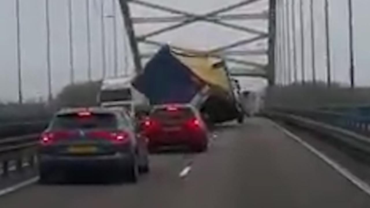 Zware storm zorgt voor ongelukken op snelwegen