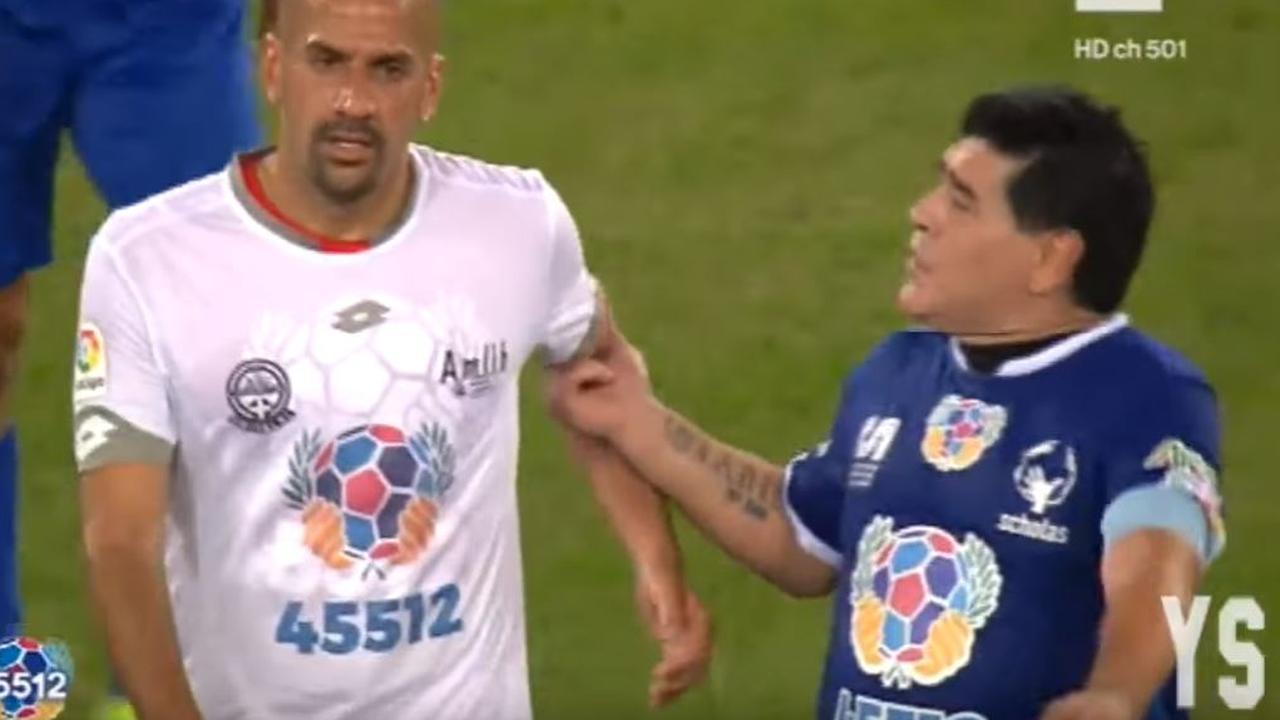 Veron en Maradona ruziën bij benefietduel in Rome