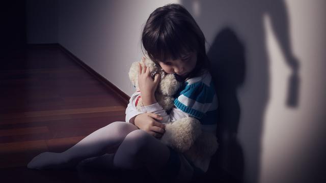 Ouders krijgen vier jaar cel in 'ronduit schokkende' mishandelingszaak