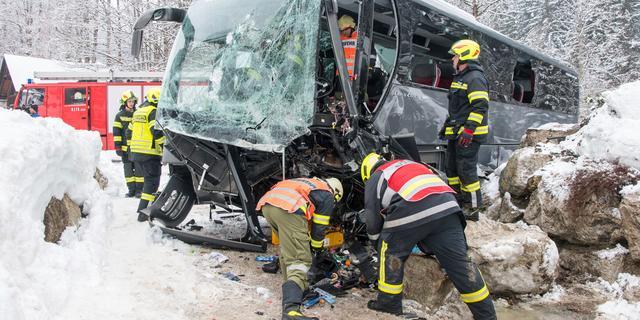 Tientallen gewonden na ongeval bus met toeristen in Oostenrijk